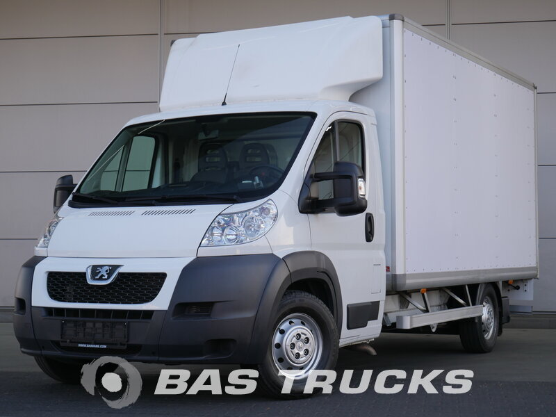 photo of Used Light commercial vehicle Peugeot Boxer 2012