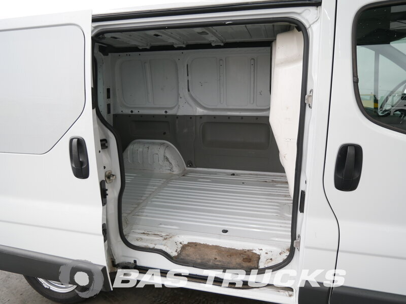 photo of Used Light commercial vehicle Renault Trafic 2009