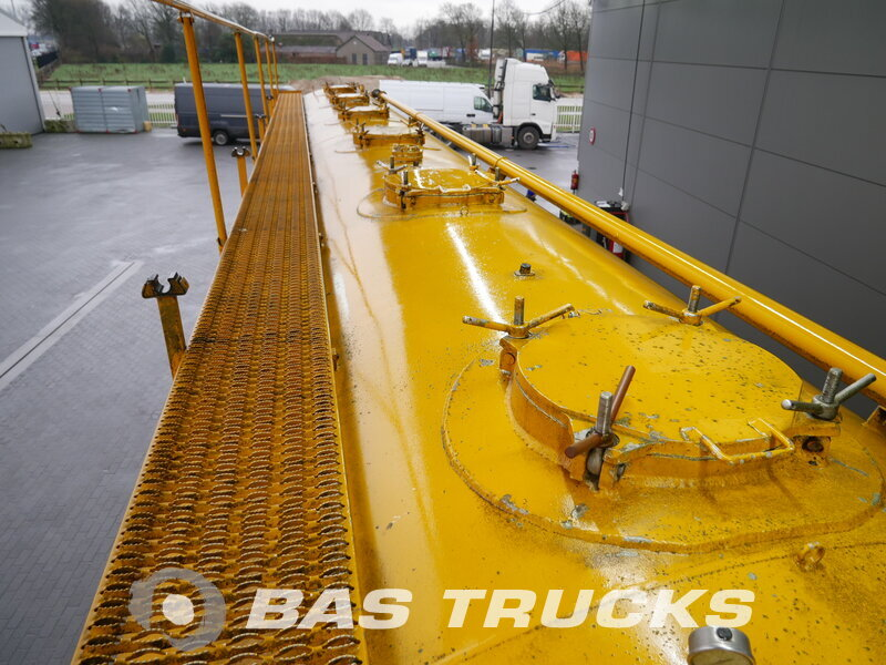 photo of Used Semi-trailer Atcomex Kippsilo 60.000 Ltr / 1 / MO-BTK60F/27TRI/34AL Axels 2000
