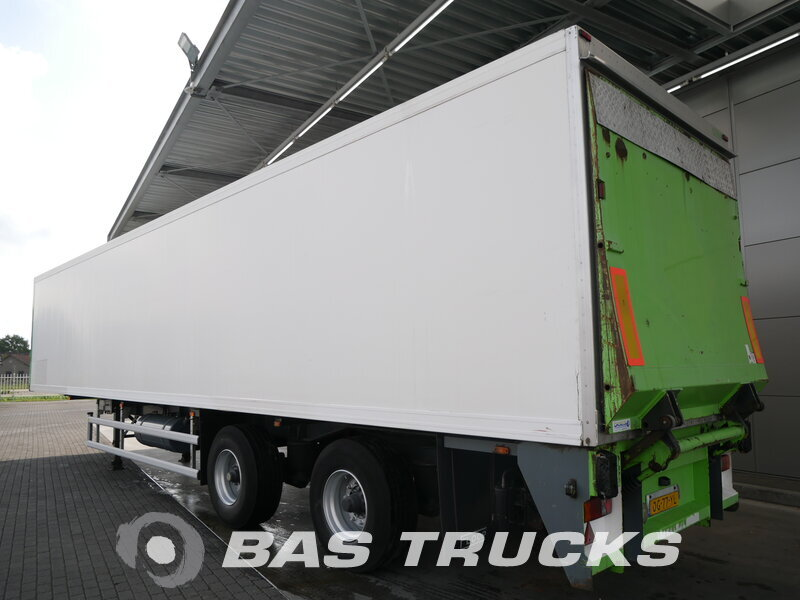 photo of Used Semi-trailer Floor Lenkachse Doppelverdampfer Ladebordwand FLO-12-20K1 Axels 2002
