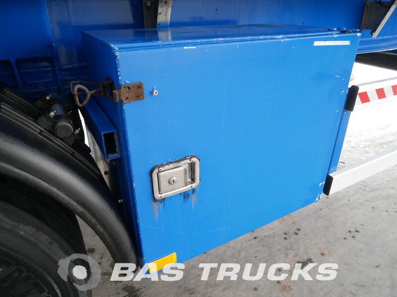 photo of Used Semi-trailer Gofa 60.000 Ltr. / 1 / Kippanlage SSA 60 3 Axels 2003