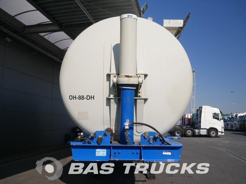 photo of Used Semi-trailer L.A.G. 61.000 Ltr Kippanlage O-3-40-02 3 Axels 2003