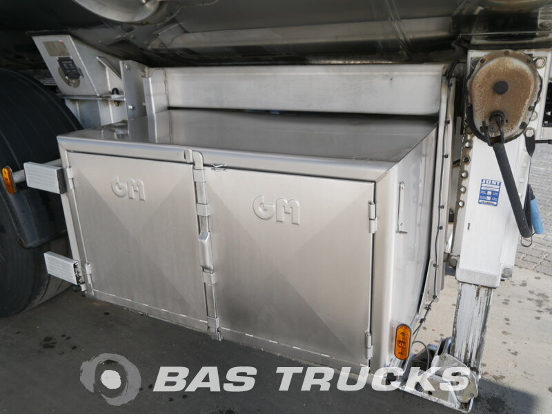 photo of Used Semi-trailer Magyar Milk Milch 27.000 Ltr Lenkachse 33HAZSP Axels 2010