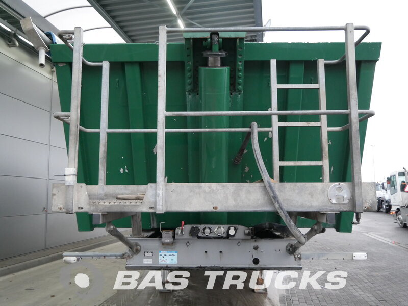 photo of Used Semi-trailer Meiller 33m3 Liftachse TR3 Axels 2010