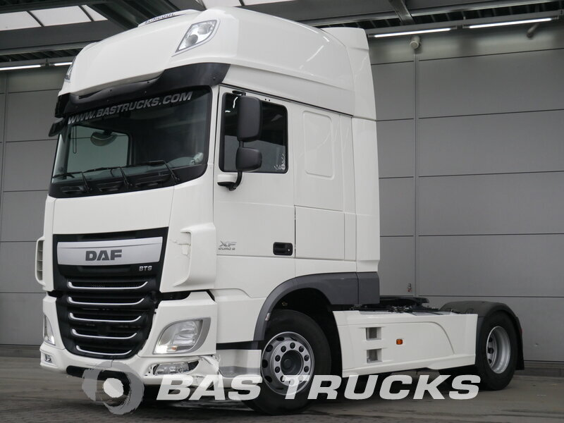 photo of Used Tractorhead DAF XF 460 SSC Kleines Unfall 4X2 2017