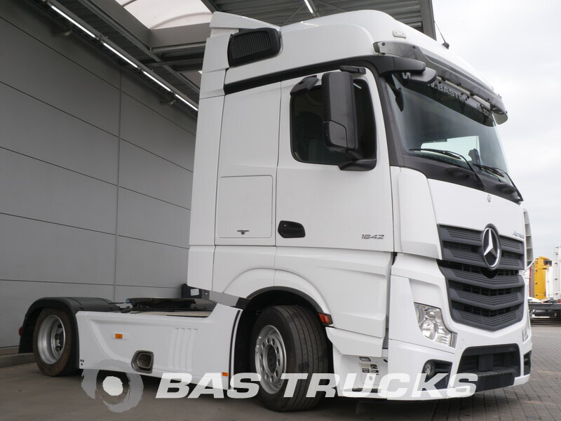 photo of Used Tractorhead Mercedes Actros 1842 4X2 2014