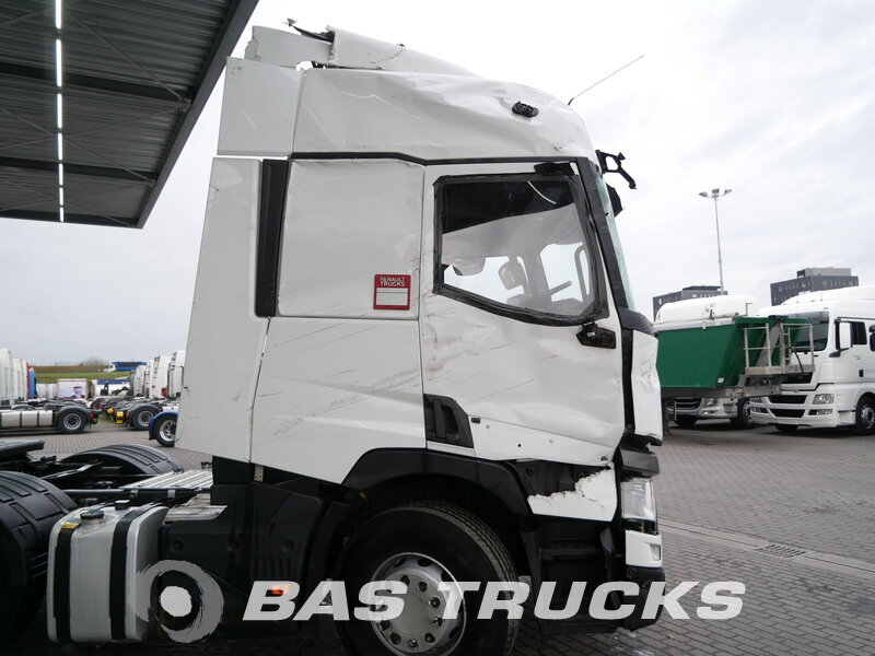 photo of Used Tractorhead Renault T 460 Unfall Fahrbereit 6X2 2015