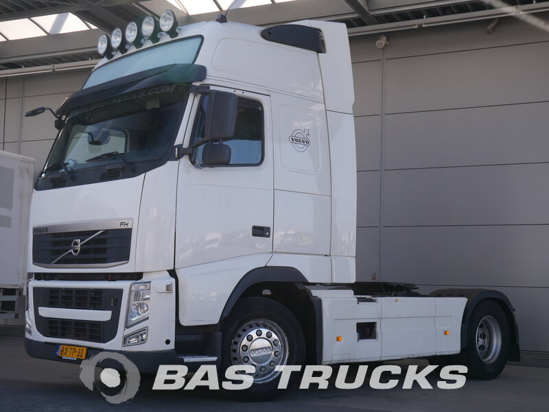 photo of Used Tractorhead Volvo FH 420 XL 4X2 2010