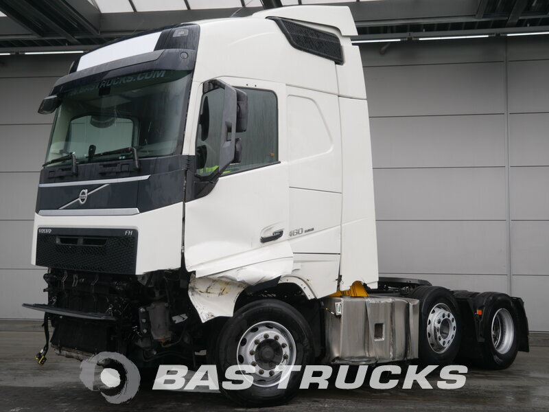 photo of Used Tractorhead Volvo FH 460 Unfall Fahrbahr 6X2 2015