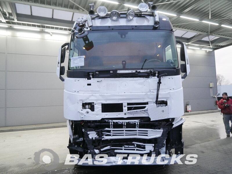 photo of Used Tractorhead Volvo FH 460 XL Unfall Fahrbereit 4X2 2014