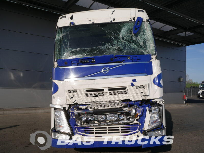 photo of Used Tractorhead Volvo FH 500 RHD Unfall 6X2 2014