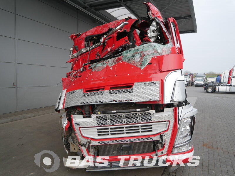 photo of Used Tractorhead Volvo FH 500 Unfall Fahbahr 4X2 2016