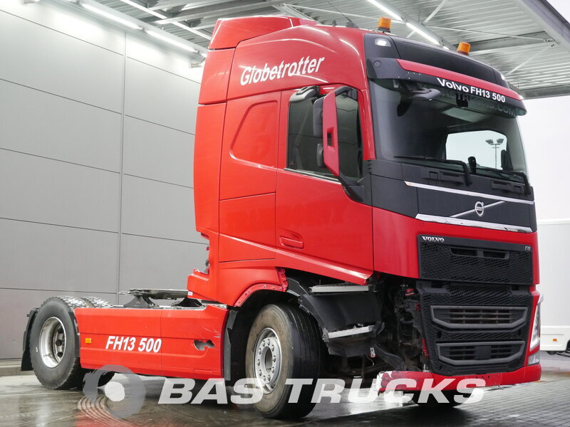 photo of Used Tractorhead Volvo FH 500 Unfall Fahrbereit 4X2 2013