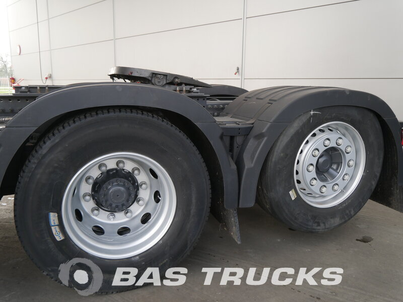 photo of Used Tractorhead Volvo FH 500 XL 6X2 2015