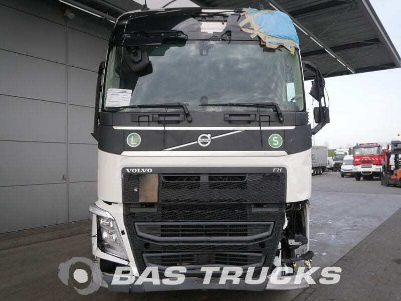 photo of Used Tractorhead Volvo FH 500 XL Unfall Fahrbereit 4X2 2017