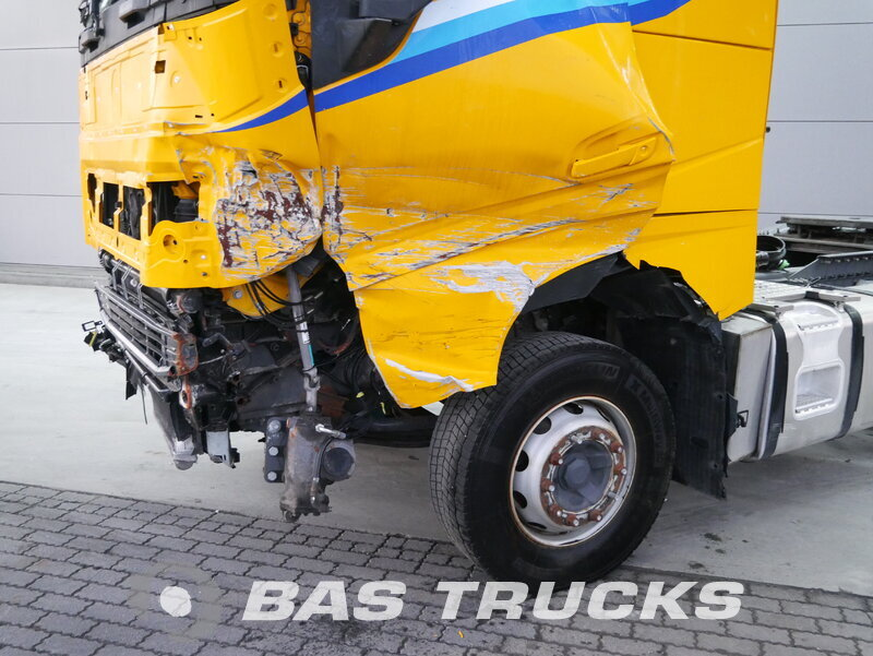 photo of Used Tractorhead Volvo FH 540 Unfall Fahrbahr 6X4 2014