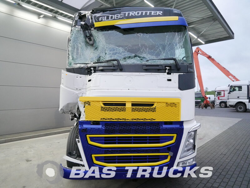 photo of Used Tractorhead Volvo FH 540 Unfall Fahrbereit 4X2 2014