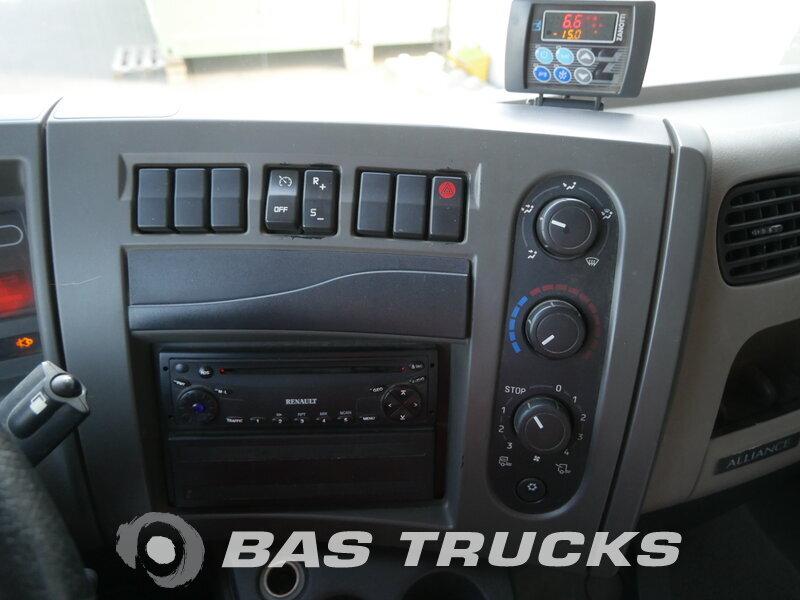 photo of Used Truck Renault Midlum 220 4X2 2007