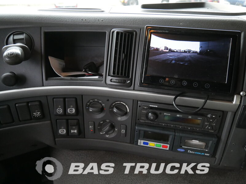 photo of Used Truck Volvo FM 330 4X2 2011